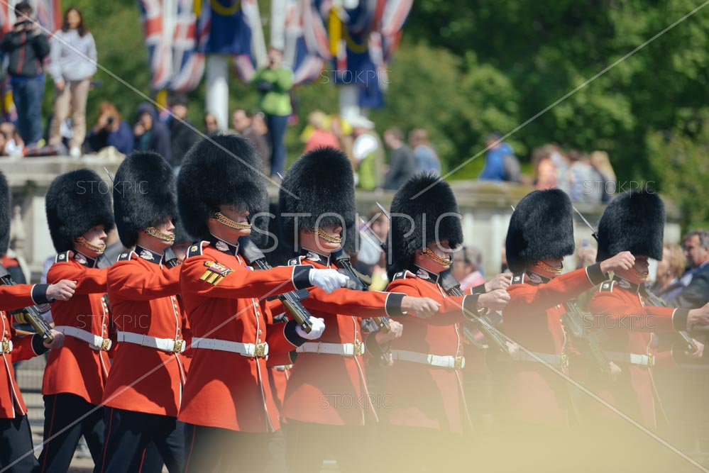 Changing-Of-The-Guards-At-Bucking-Ham-Palace-London