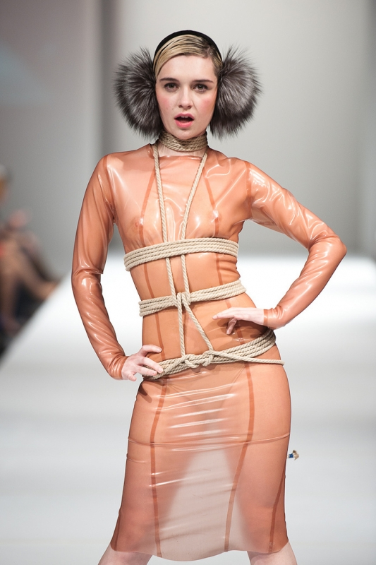 day-4-runway-fat-arts-fashion-week-2012-27