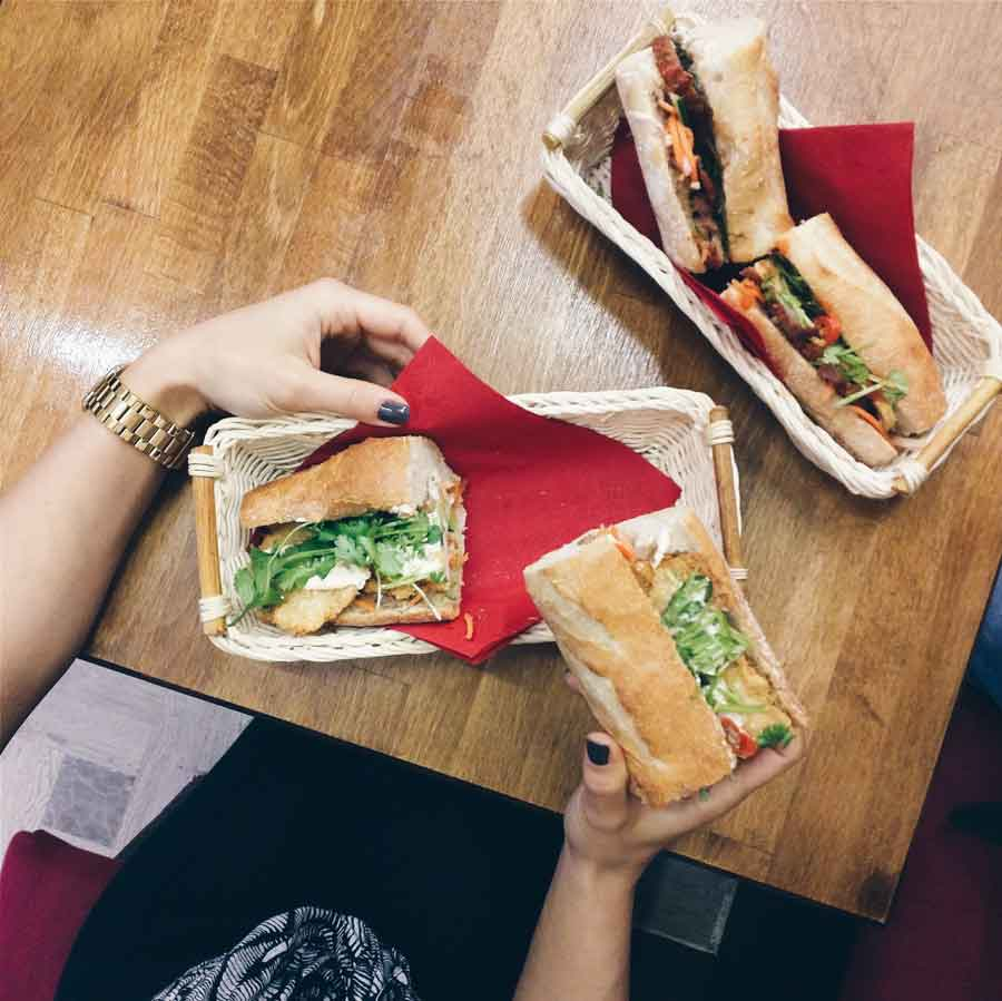 foodiesfeed.com_vietnamese-banh-mi_low