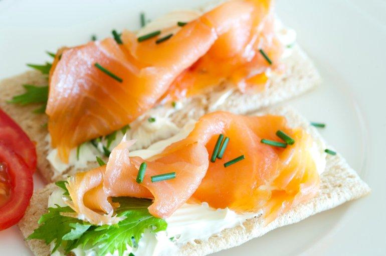 salmon_crispbread