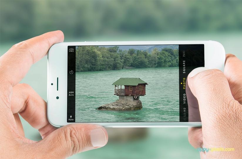 05-free-indoor-iphone-6-mockups-824x542