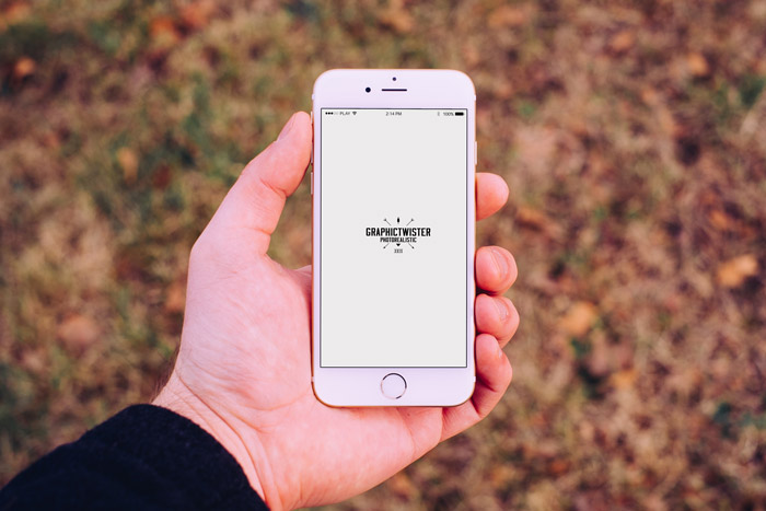 man-hand-iphone-6-mockup